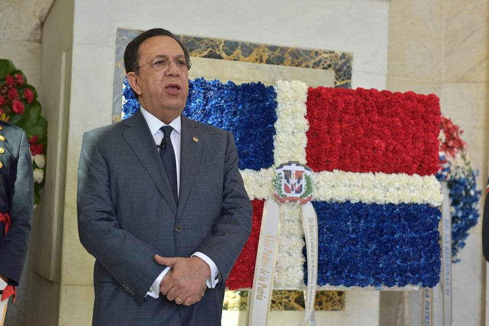 Gobernador del Banco Central niega escasez de dólares en el país
