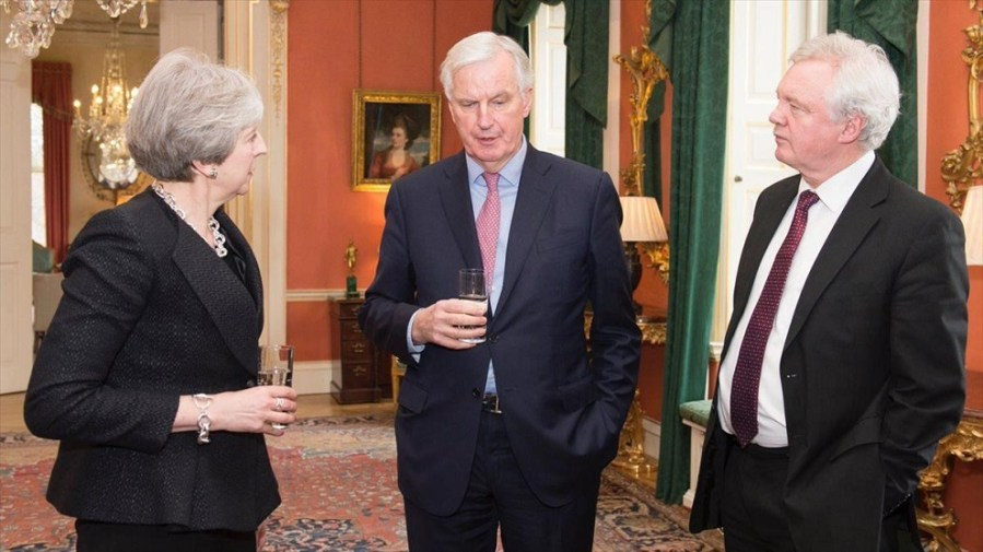 londres 5 2 2018 theresa may junto a david davis y michel barnier