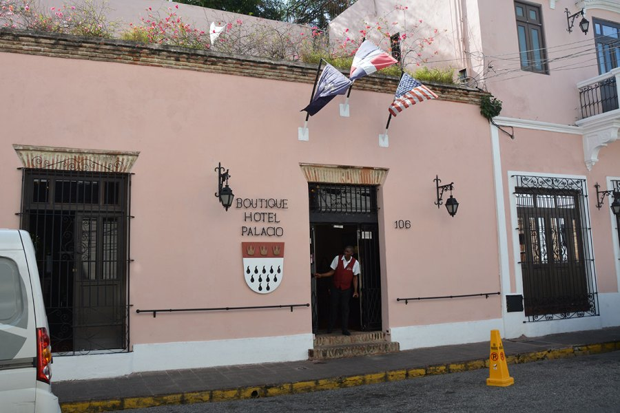 hoteles pequenos zona colonial