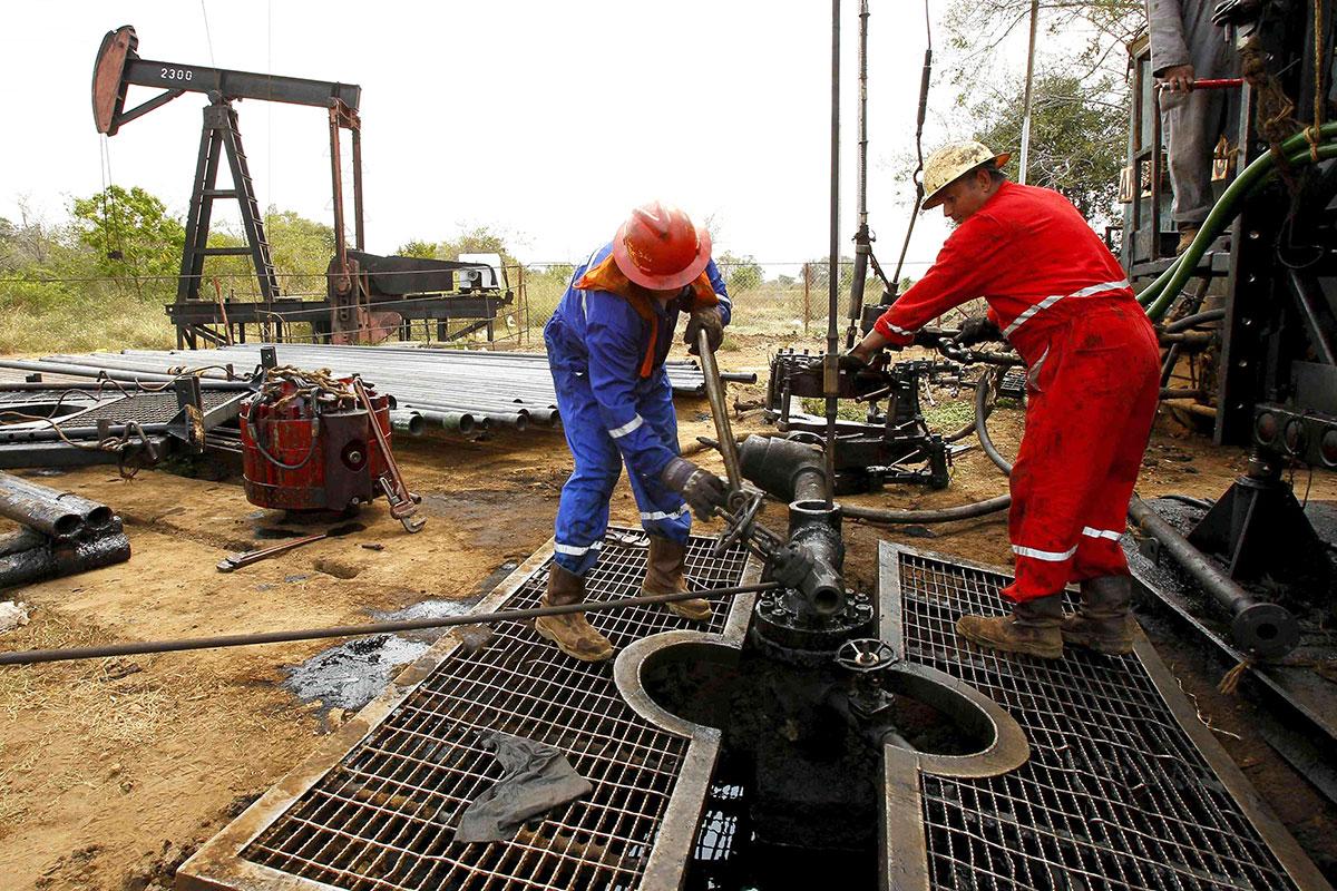 Venezuela reporta que bombea 1.57 millones de barriles de petróleo por día