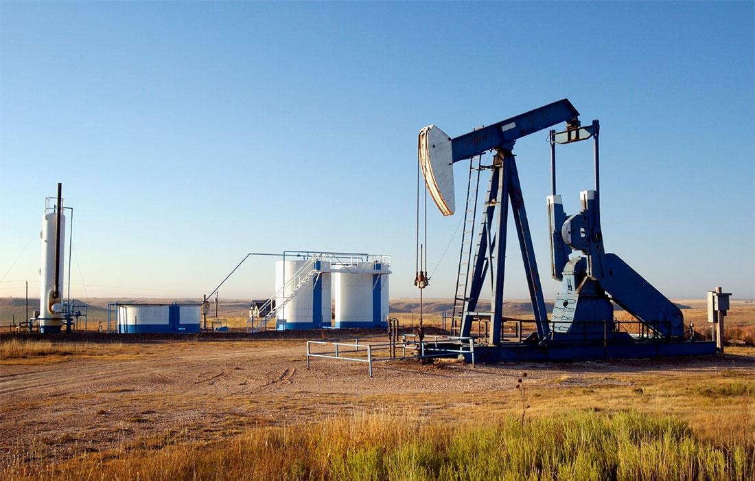 El petróleo, con mínimas variaciones tras alzas de las reservas en EU