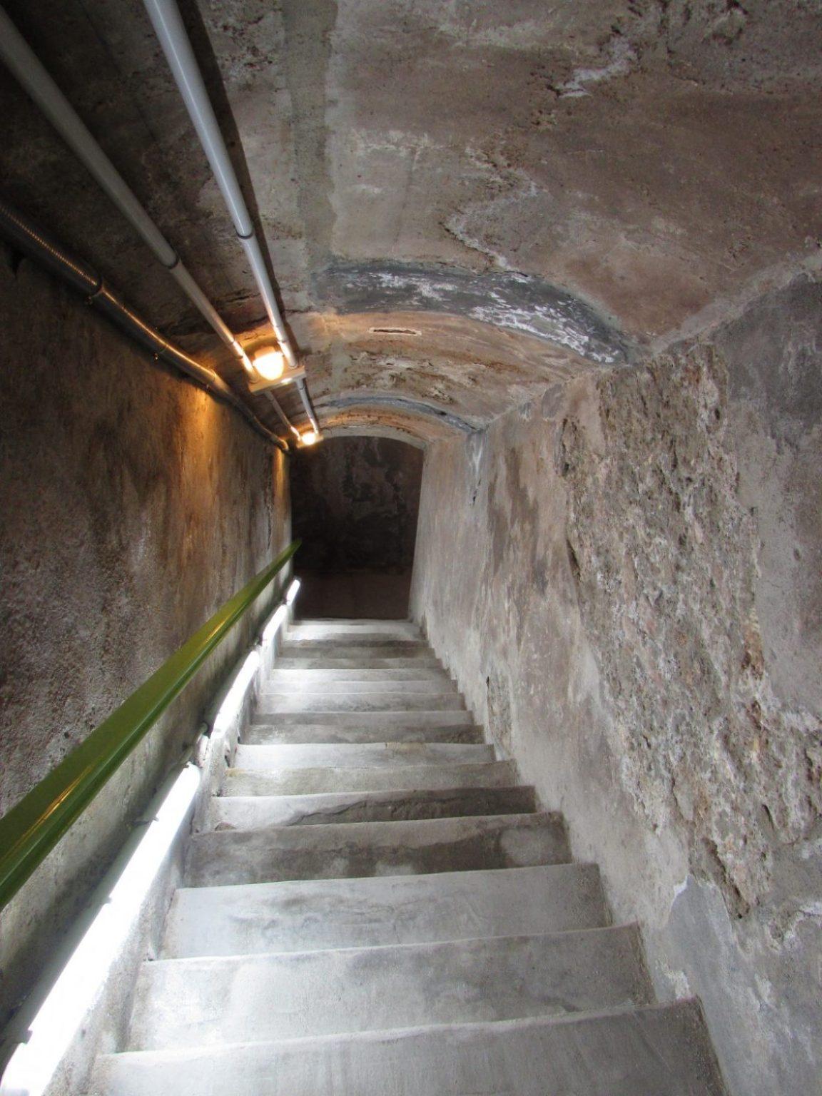 escaleras refugios almeria
