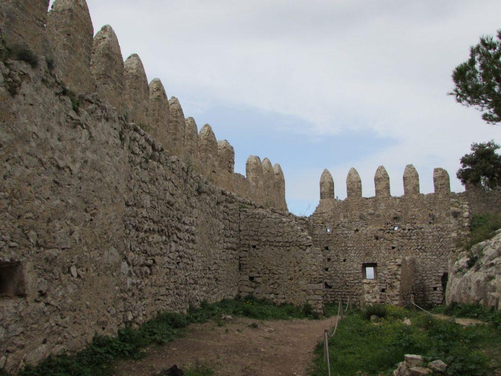 interior castillo santueri