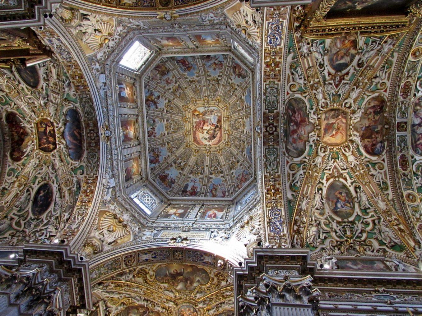 Interior de la basílica de Santa Maria la Maggiore, Bérgamo