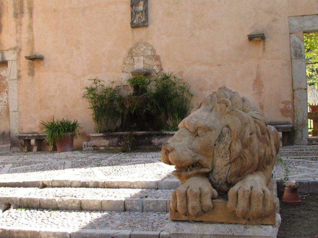 leones jardines de alfabia