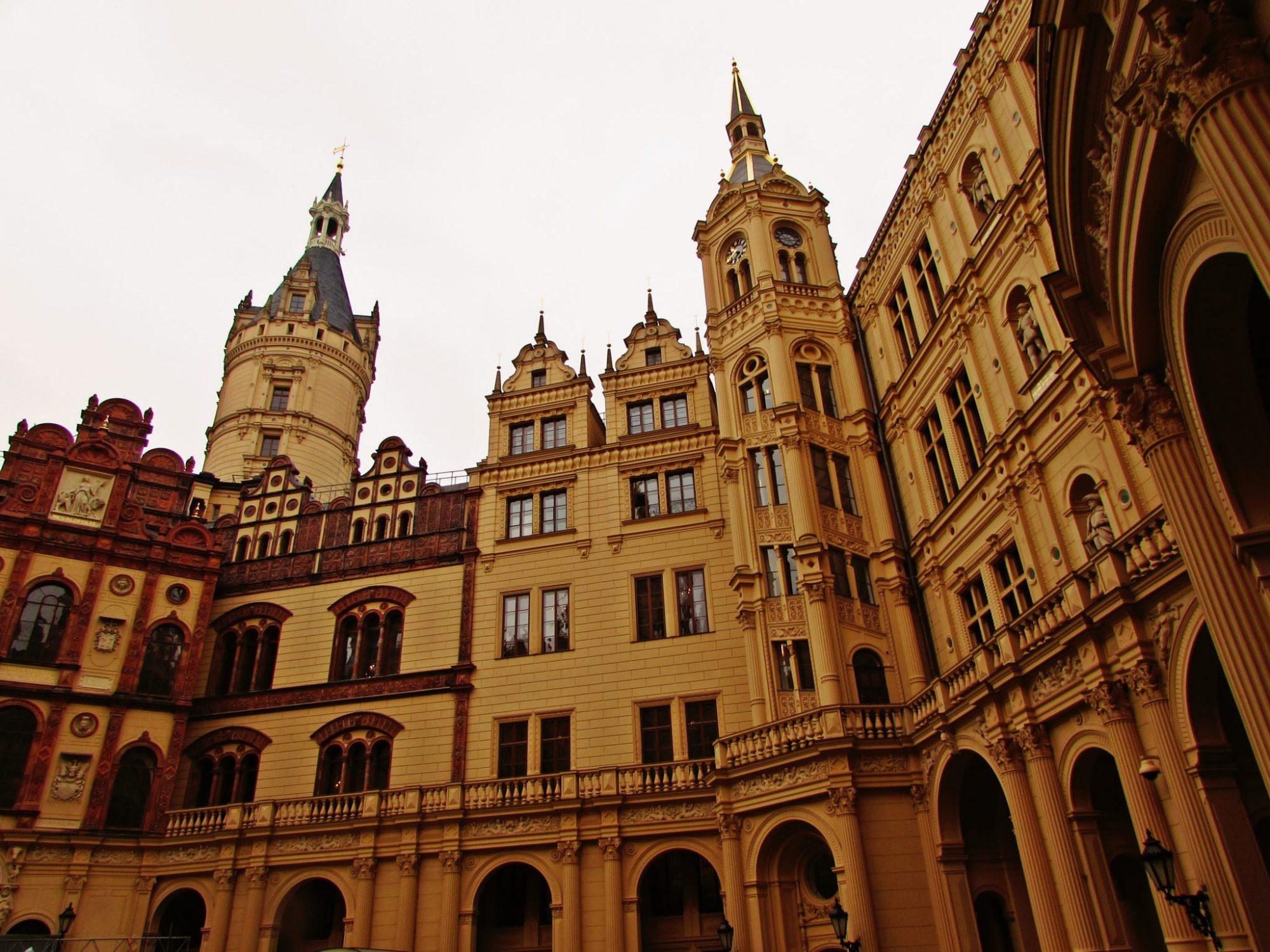 palacio de schwerin patio