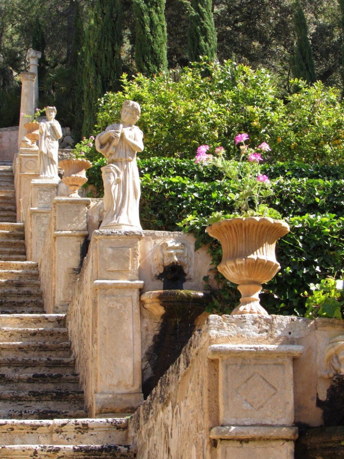 Detalle escalera jardín de Apolo