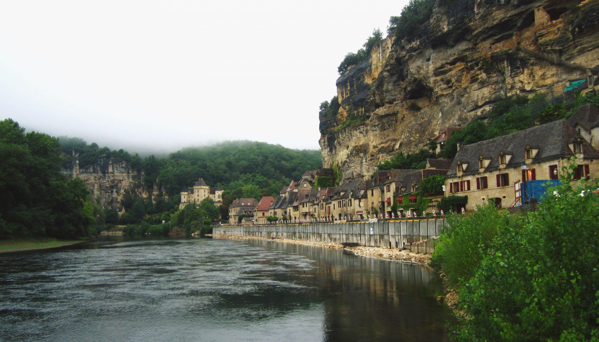 pueblos bonitos francia roque gageac