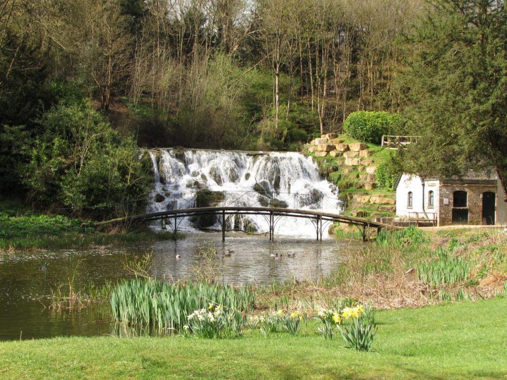 Cascada en los jardines del Palacio de Blenheim