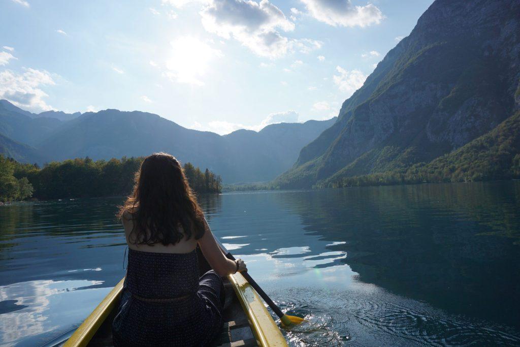 Paseo en canoa por el Lago Bohinj