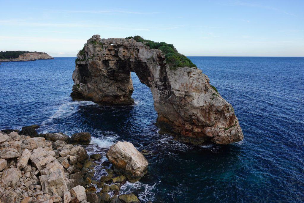 Es Pontàs es uno de los arcos naturales más bonitos.