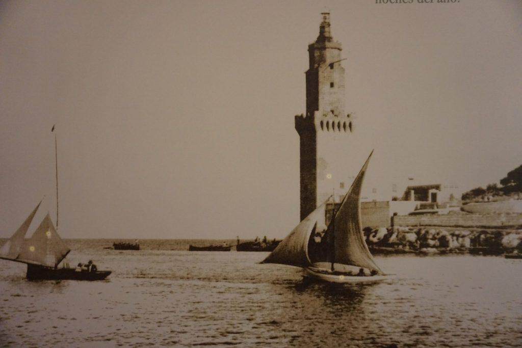 Fotografía antigua del Faro de Portopi