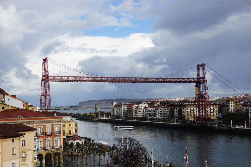 Puente de Bizcaia desde la Basílica de Santa Maria de Portugalete