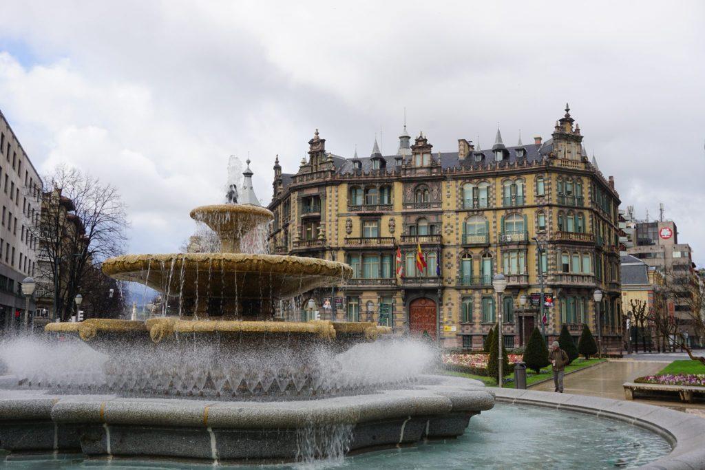 Plaza Moyua y Palacio de Chavarri - Bilbao