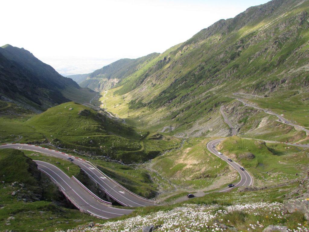 La Transfagarasan es una de las carreteras más bonitas de Rumania