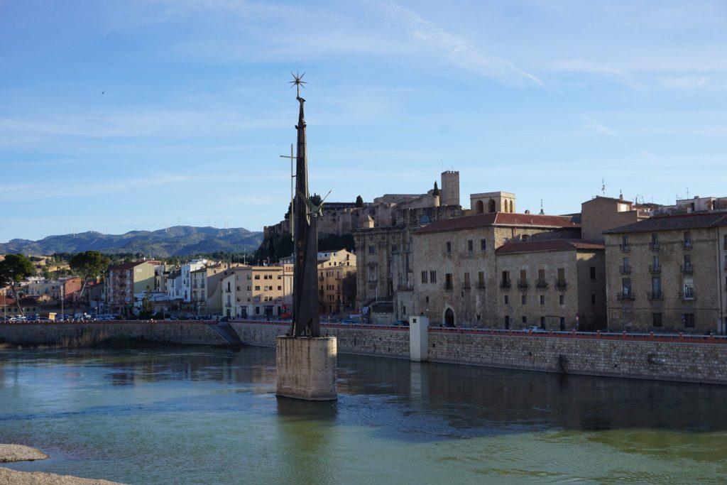 Río Ebro a su paso por Tortosa