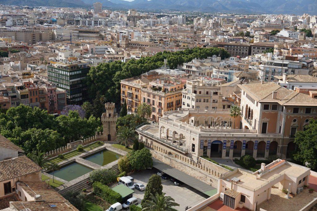Palacio March desde las terrazas de la catedral