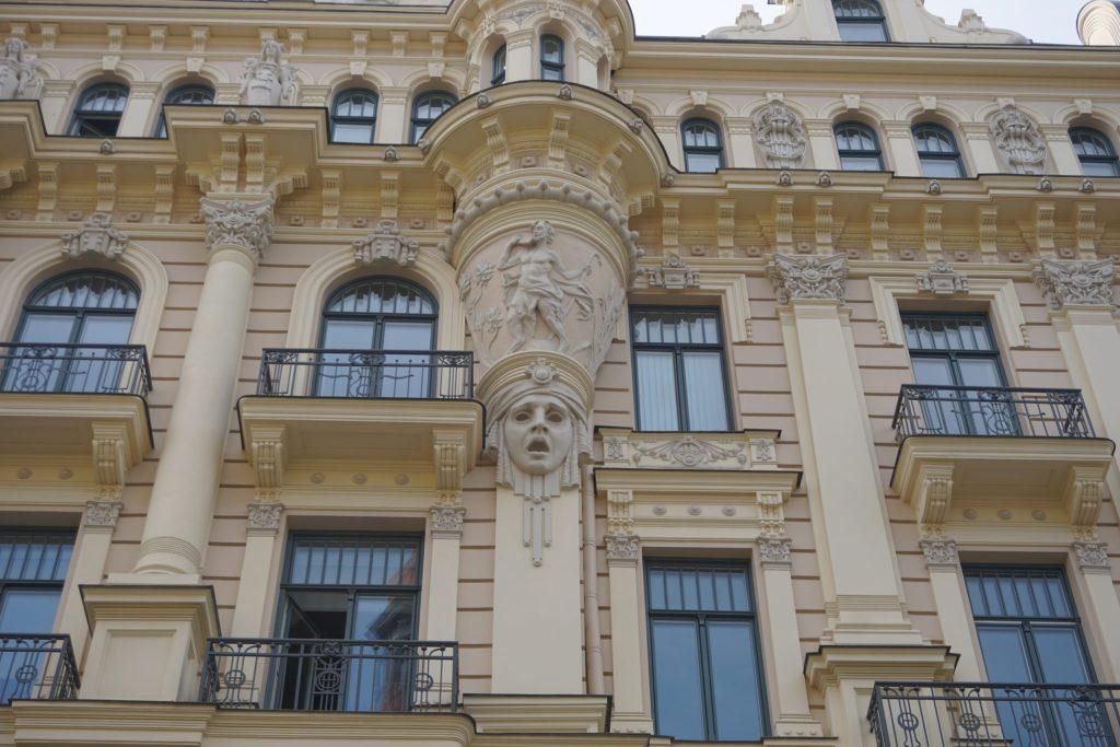edificios más bonitos del art nouveau en Riga