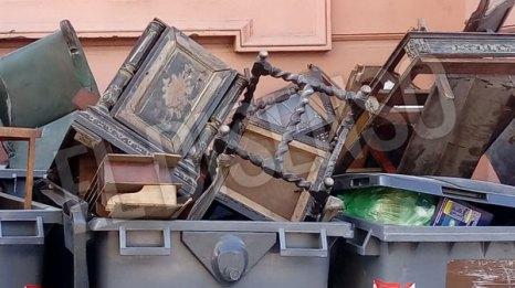 Los muebles antiguos de Casa Rosada a la basura