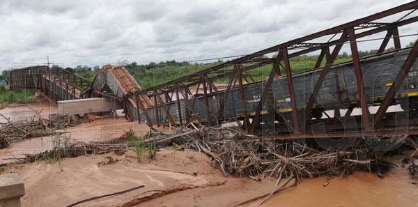 Puente colapsado