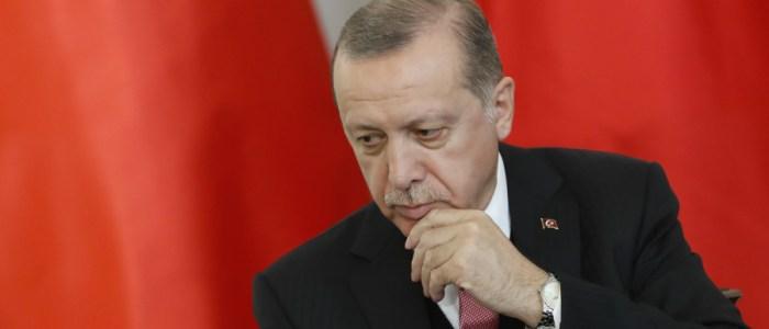 تركيا تعتقل 1112 شخصا للاشتباه فى صلتهم بجولن
