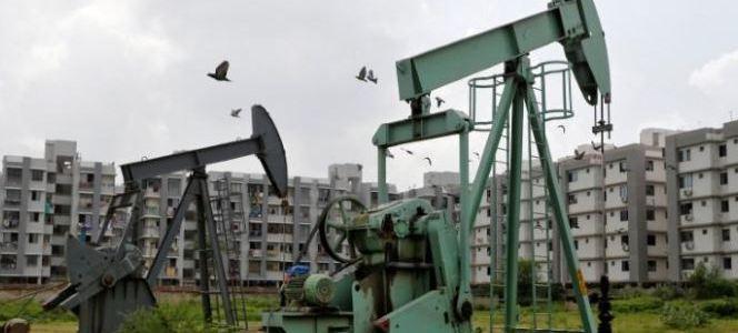 تراجع أسعار النفط بعد بيانات معهد البترول الأمريكي