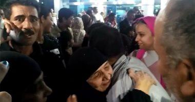 بالفيديو.. وصول الحاجة سعدية ضحية العمرة المزيفة القاهرة بعد إثبات براءتها
