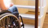 اختراع جديد يعيد الأمل للمصابيْن بالشلل ليتمتعوا بالمشي مرة أخري