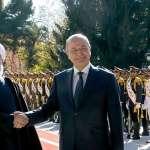 رئيس العراق يدعو لتوطيد العلاقات مع إيران