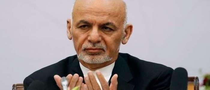 الرئيس الأفغاني يقيل وزير الدفاع والداخلية