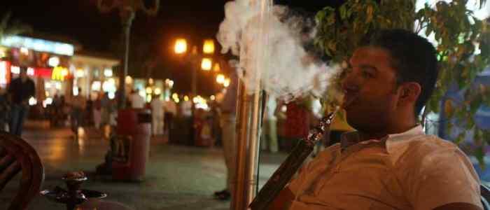 البرلمان يمرر قانون لحظر الشيشة في المطاعم