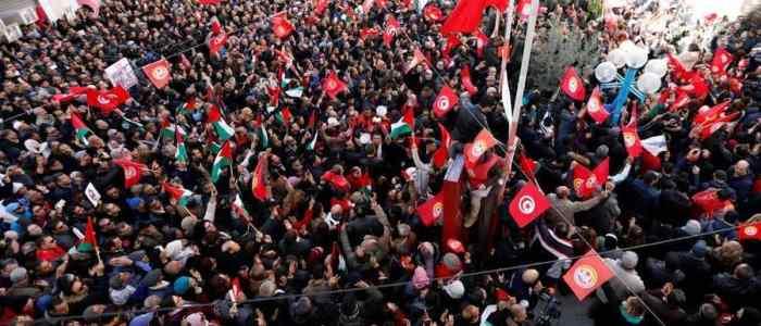 لم تنجز الثورة أياً من أحلامها وبعد ثمانية أعوام تتأمل تونس في نتائج الربيع العرب