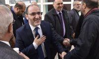 """زعيم """"إخوان الجزائر"""" يدعو بوتفليقة إلى سحب ترشحه"""