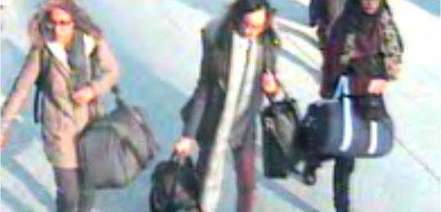 الفاينانشال تايمز: خطر عودة عرائس تنظيم الدولة إلى بريطانيا