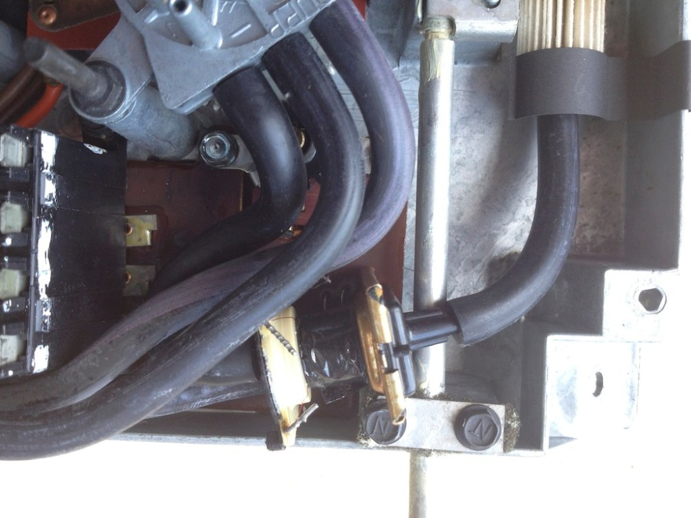 medium resolution of the transducer which caused the problem the golden part with the single vacuum line going into it