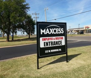 Picture of new entrance sign by Electremedia.