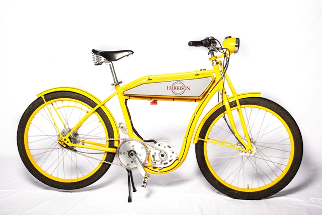 This customer chose a bold yellow color-scheme and a classic headlight.