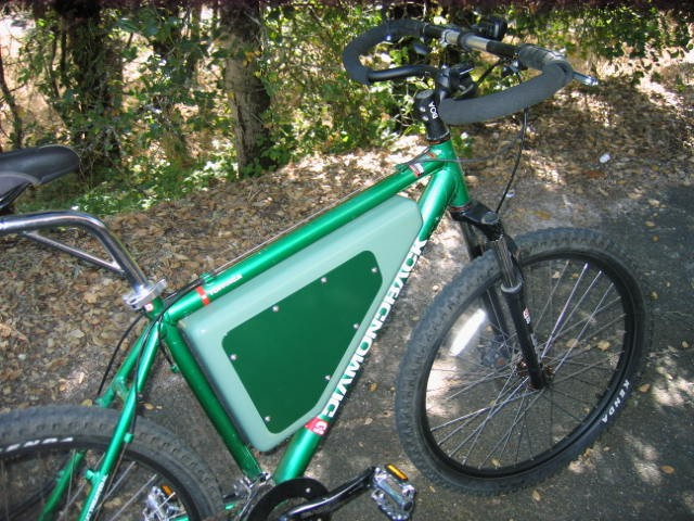Danny's Diamondback hardtail, with an awesome triangle case.