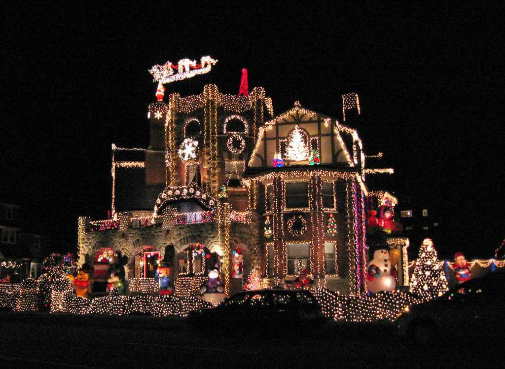 7 Over The Top Christmas Light Show Displays Ec4u