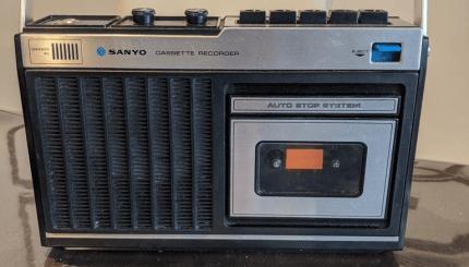 el reproductor de casetes retro obtiene reproduccion de mp3 moderna y funcionalidad rfid 5fa9e02d76a08 - Electrogeek