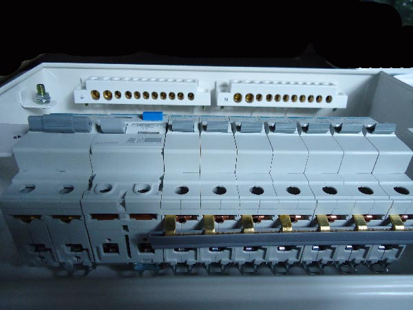 fuse board wiring diagram 8145 20 defrost timer diy a consumer unit and installation distribution bus bar segments entering mcb units