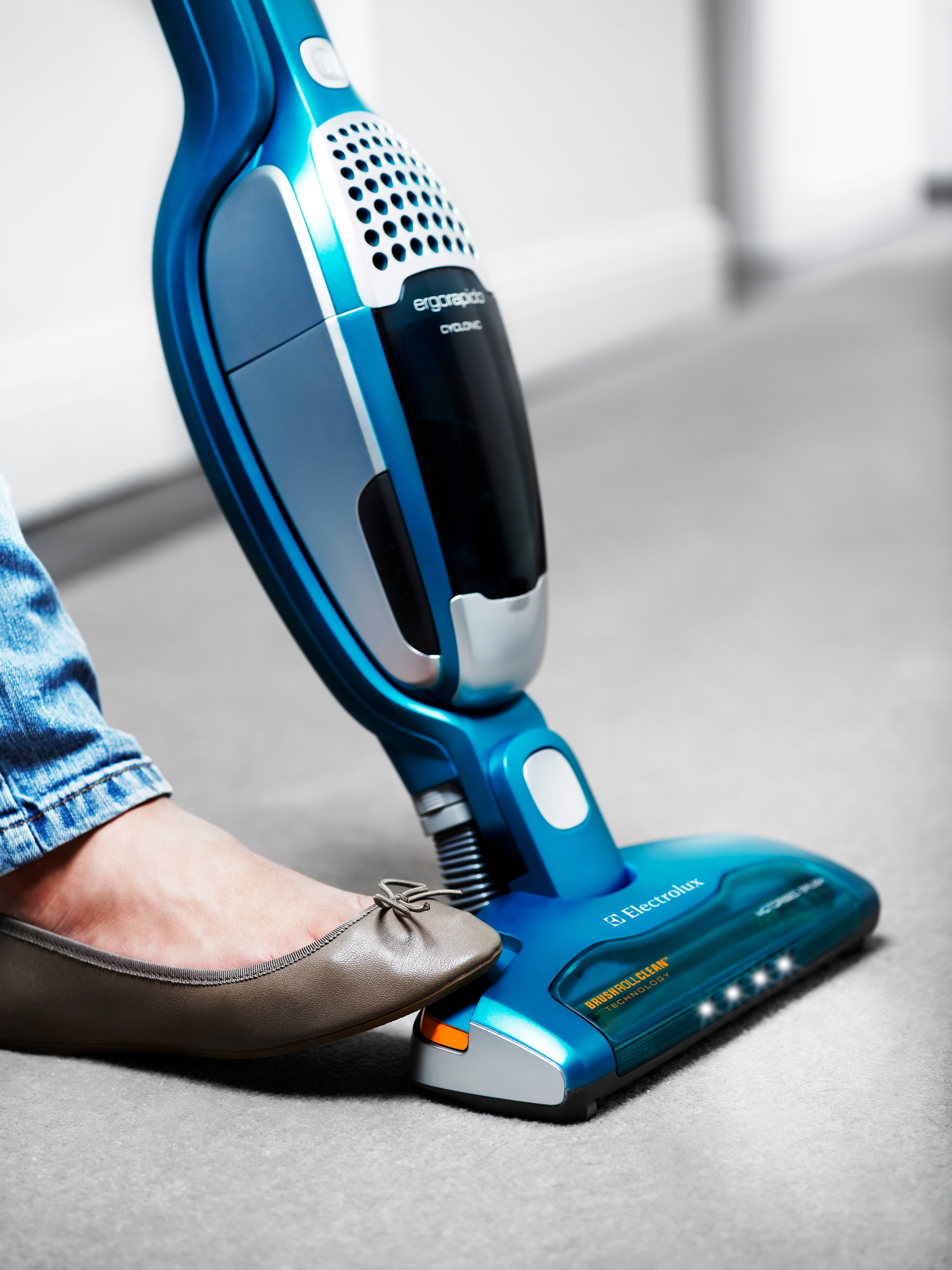 Electrolux introduces unique brushcleaning function