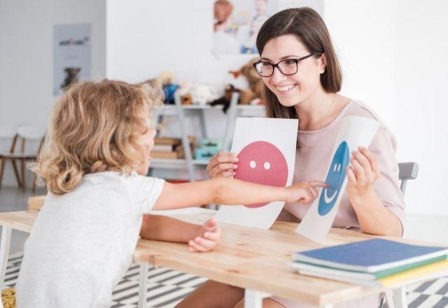 communication strategies non-verbal child