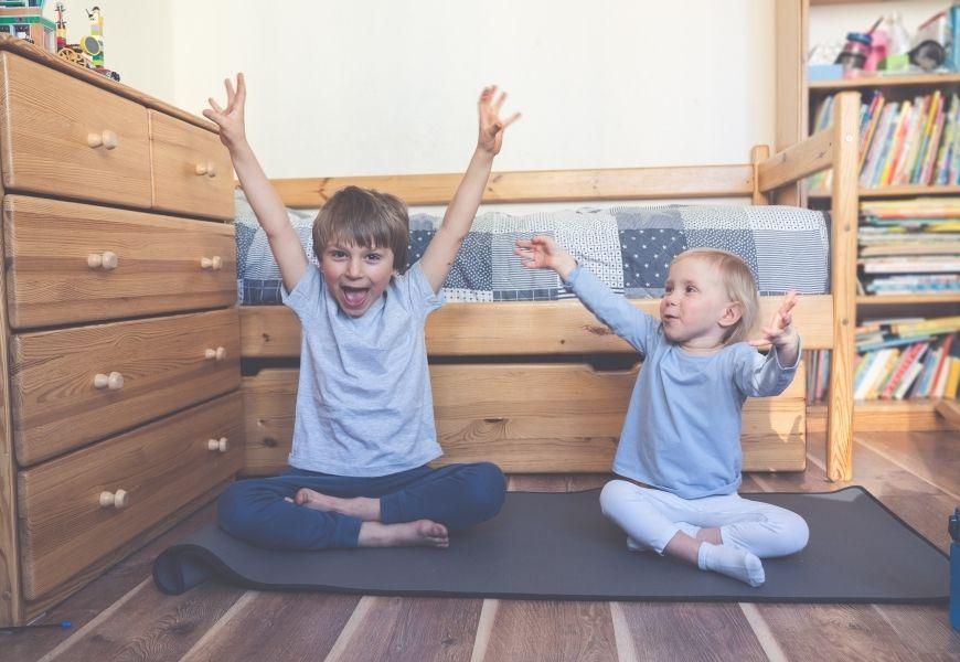 online motivation kids doing yoga