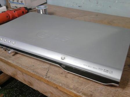 DVD LG modelo DVK-8721N