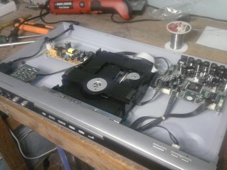DVD Digital DP222 no abre la bandeja