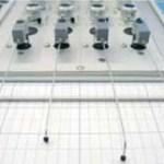 Foto 4: Soldamos los condensadores. Tendremos cuidado con el condensador electrolítico