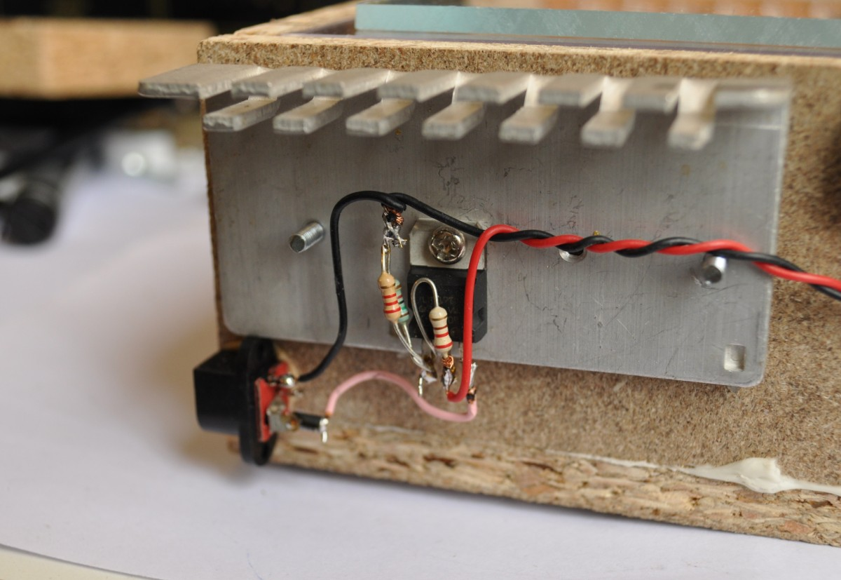 Few Lm317 Voltage Regulator Circuits Hqewnet