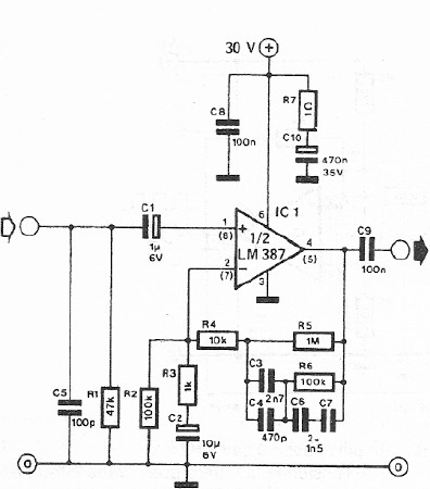 Dynamic microphone preamplifier circuit with LM387