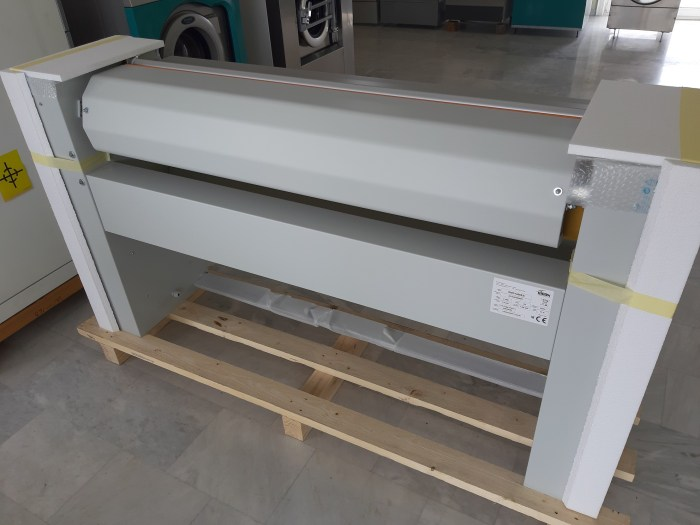 TECHNICAL DATA Roller Dimensions1400 x Ø250 mm Available Heating SourcesElectric Hourly Production35 kg (r.h. 20-25%) Heating Power7,5 kW Standard Supply Voltage400/3N/50Hz